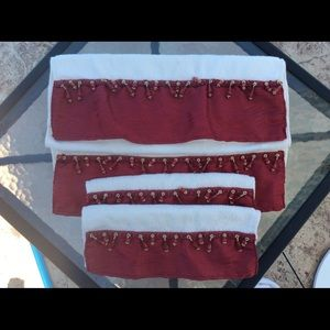 Decorative hand towel set